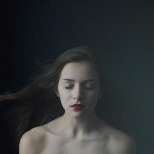 Julia-Tsoona-_no-temnafotografia-por-helosaaraujo2