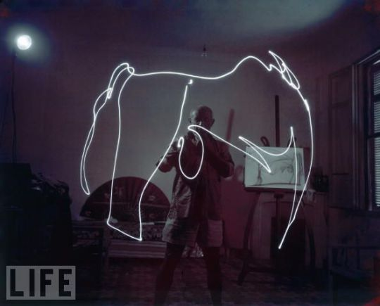 picasso-light-painting-1