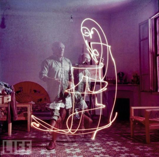 picasso-light-painting-5